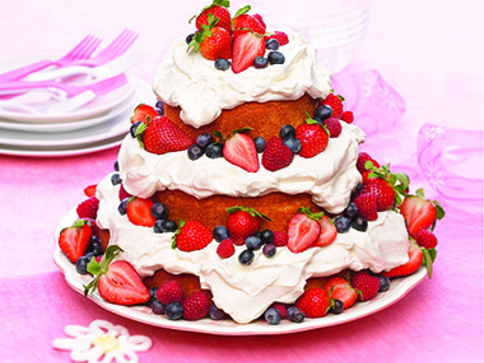 Emily's Berry Mountain Cake